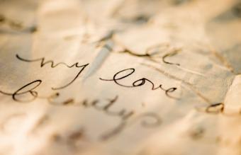 carta de amor antigua sobre pergamino